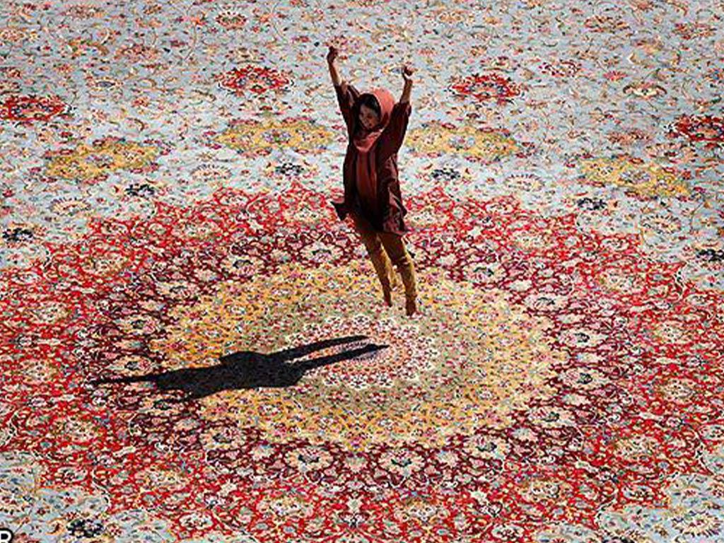 Qasr-al-Alam il tappeto persiano più grande del mondo
